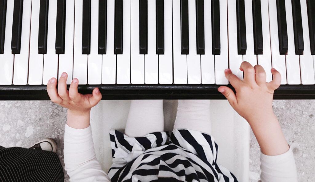 Beneficios de la música y el arte en los niños