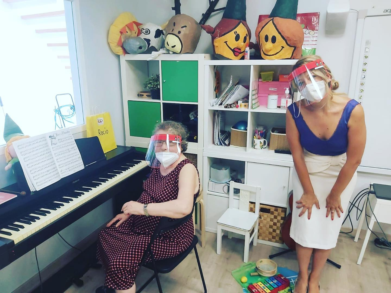 Beneficios de la educación musical en personas mayores
